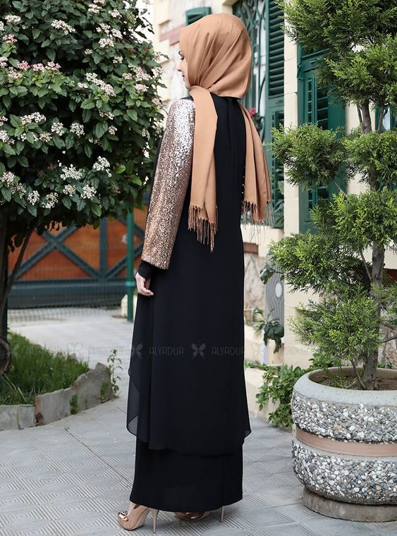 Gold Payet Şifon Pelerinli Elbise - ES14878