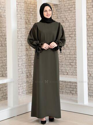 Fashion Showcase - Haki Kolu Bağcıklı Tesettür Elbise - FS15214