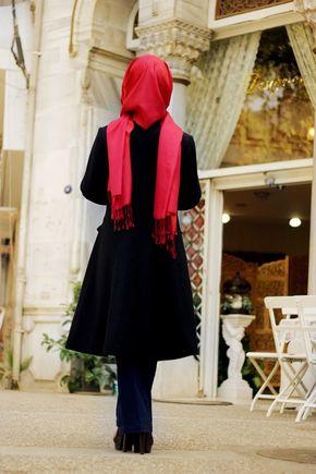 Sema Şimşek - Siyah Alya Kaban - Thumbnail