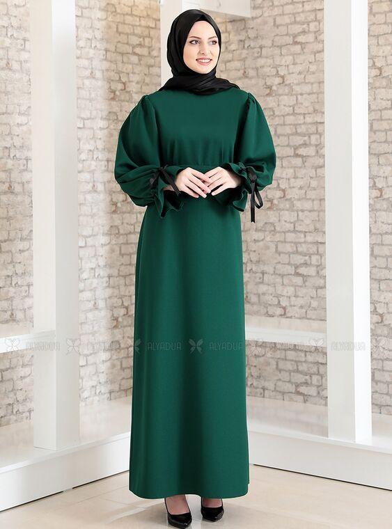 Fashion Showcase - Zümrüt Kolu Bağcıklı Tesettür Elbise - FS15216